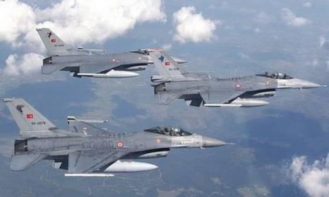 Τουρκικές προκλήσεις δίχως τέλος στο Αιγαίο: 60 παραβιάσεις από 14 τουρκικά μαχητικά
