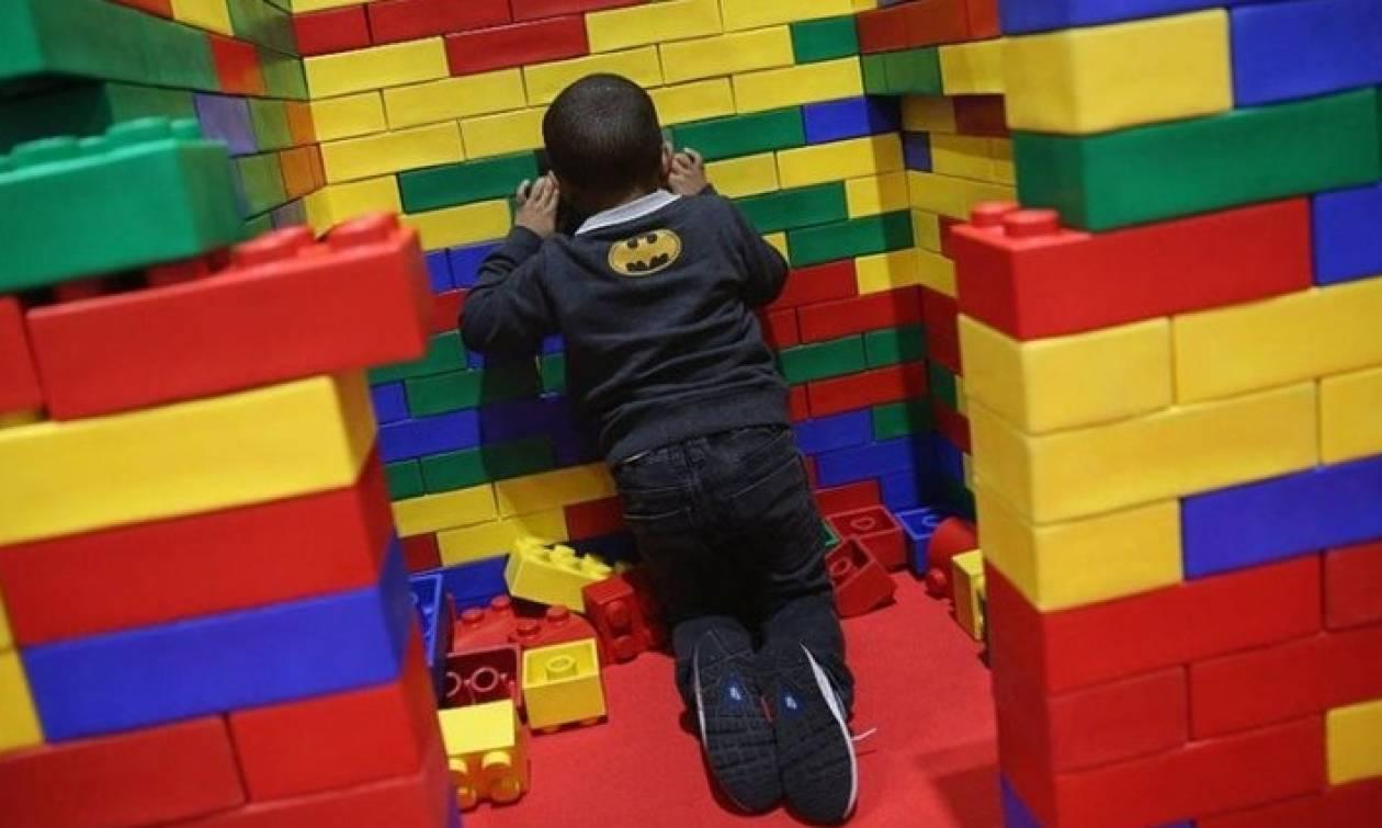 Χρήστες του διαδικτύου δώρισαν 500 κούτες από Lego σε παιδιατρική κλινική