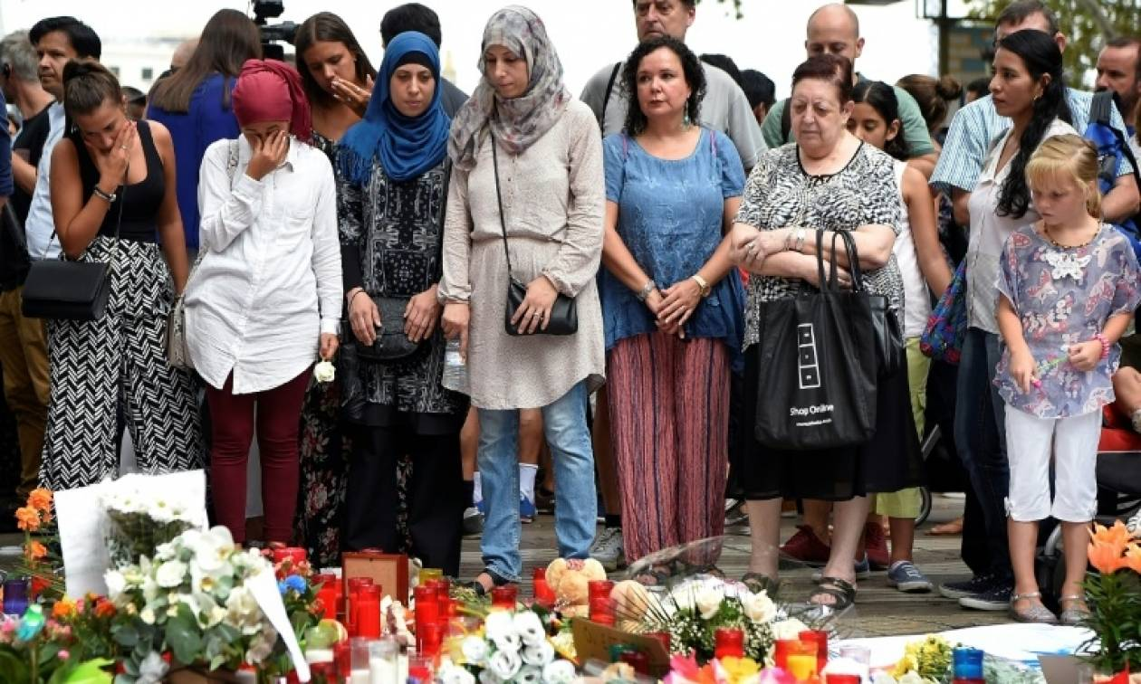 Καταλονία: Διαδήλωση μουσουλμάνων στους δρόμους της Βαρκελώνης κατά της τρομοκρατίας