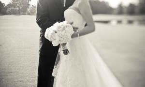 Μπλόκαρε η Ναύπακτος : Δείτε πώς πήγαν τον γαμπρό στην εκκλησία (vid)