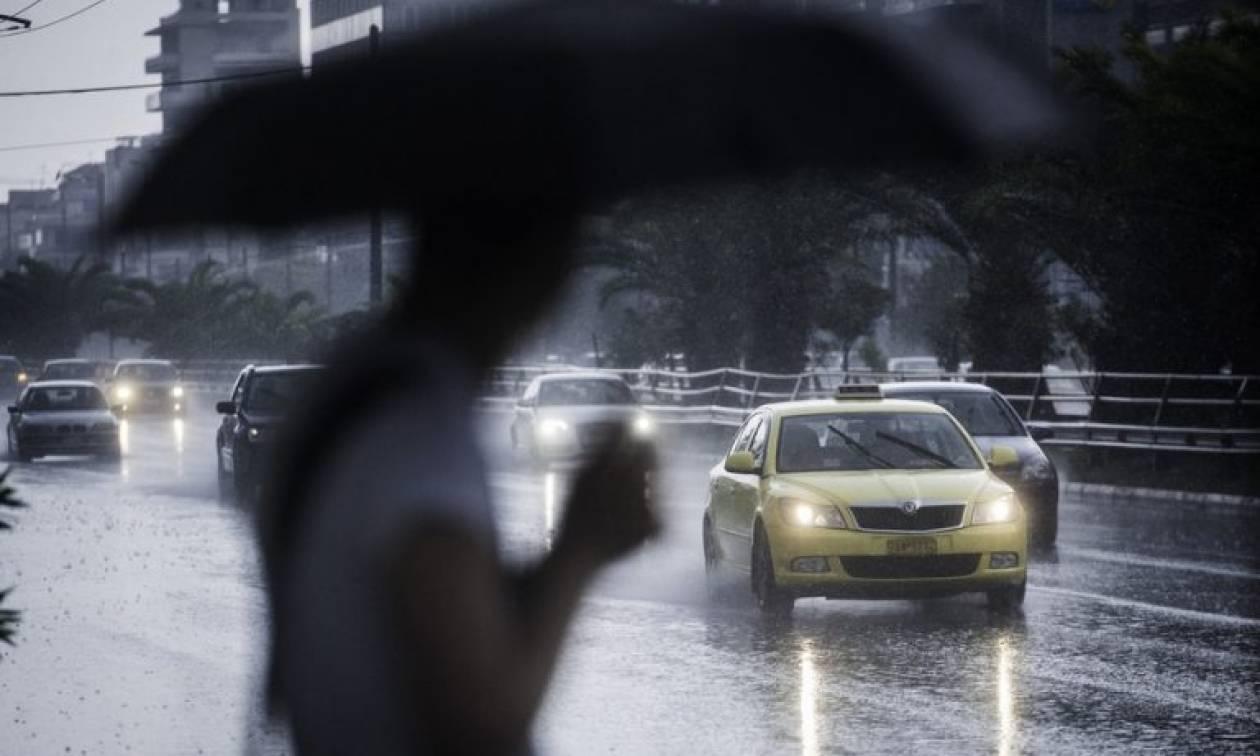 Έκτακτο δελτίο επιδείνωσης: Αγριεύει ο καιρός την Τρίτη (22/8) - Βροχές, καταιγίδες και χαλάζι