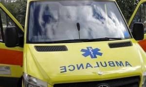 Ώρες αγωνίας για τον πυροσβέστη – πατέρα δύο παιδιών που τραυματίστηκε στη Ζαχάρω