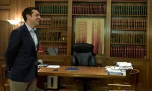 Διαδοχικές συναντήσεις Τσίπρα στο Μαξίμου με τους υπουργούς της κυβέρνησης