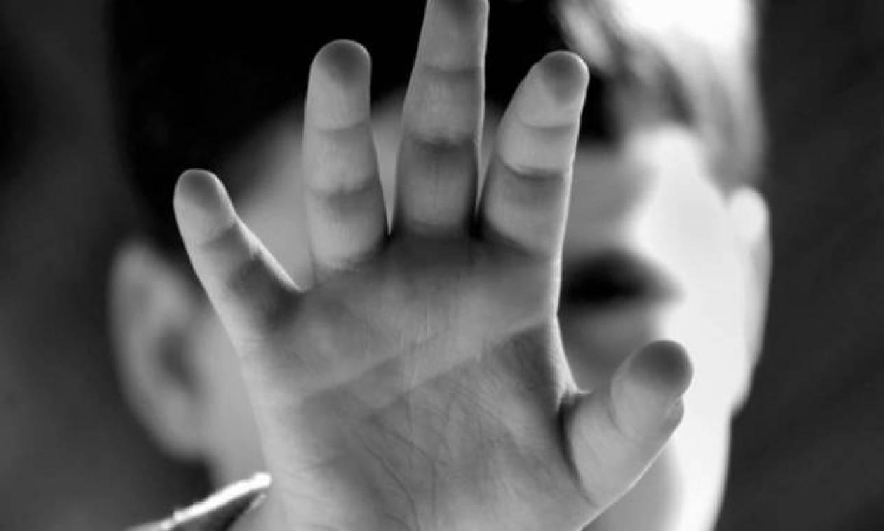 Φρίκη: Νταντά κακοποιούσε σεξουαλικά 4χρονο αγοράκι