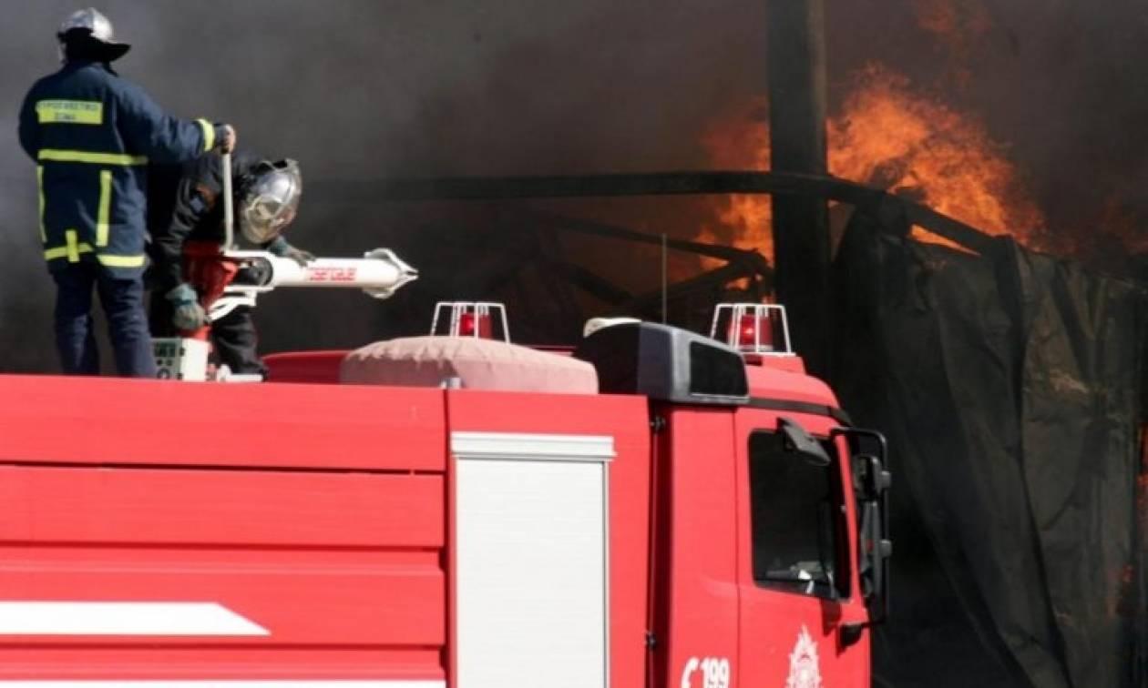 Φωτιά σε hotspot στη Λάρισα: Πανικοβλήθηκαν οι πρόσφυγες