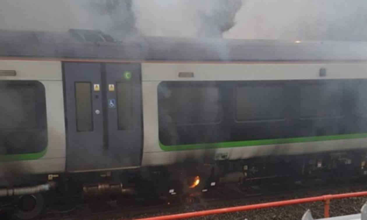 Συναγερμός για φωτιά σε σιδηροδρομικό σταθμό του Λονδίνου