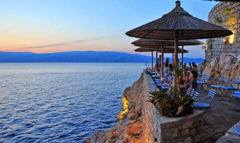 Αυτά τα είναι τα 10 καλύτερα ελληνικά μπιτσόμπαρα