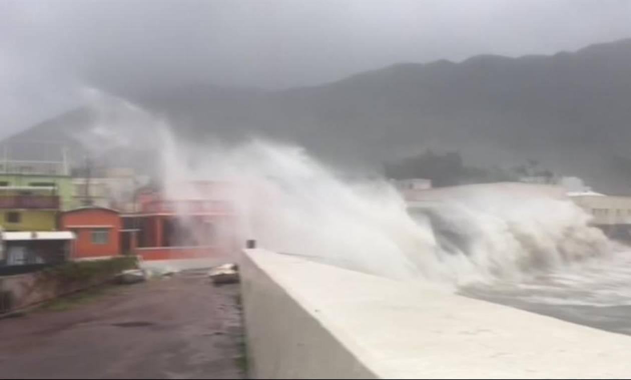 Χονγκ Κονγκ: Τουλάχιστον 6 νεκροί από το καταστροφικό πέρασμα του τυφώνα Χάτο (vids)