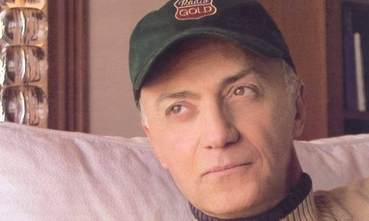 Κηδεία Λάσκαρη: Οργή Μαστοράκη για το βαθύ ντεκολτέ της Βάνας Μπάρμπα