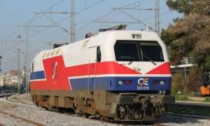 Εκτροχιάστηκε τρένο στη Λάρισα