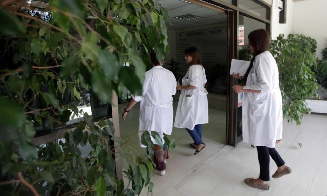 ΝΔ: Άφαντες βασικές ειδικότητες γιατρών στη μονάδα του ΠΕΔΥ Αλεξάνδρας