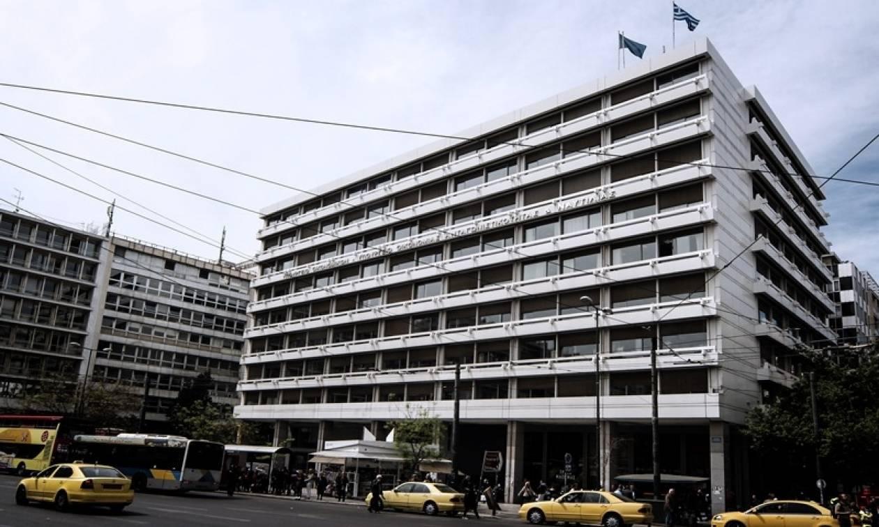 «Τρύπα» 756 εκατ. ευρώ στον προϋπολογισμό – Εκτός στόχων το ΥΠΟΙΚ