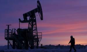 ΗΠΑ: Εκτοξεύτηκαν οι τιμές του πετρελαίου λόγω του τυφώνα Χάρβεϊ