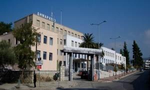 Χαμός στη Λαμία: Επεισόδια και ΜΑΤ στο δημαρχείο για τα σκουπίδια