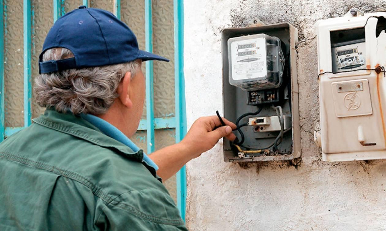 Σπείρα υποσχόταν διαγραφή οφειλών από ηλεκτρικό ρεύμα