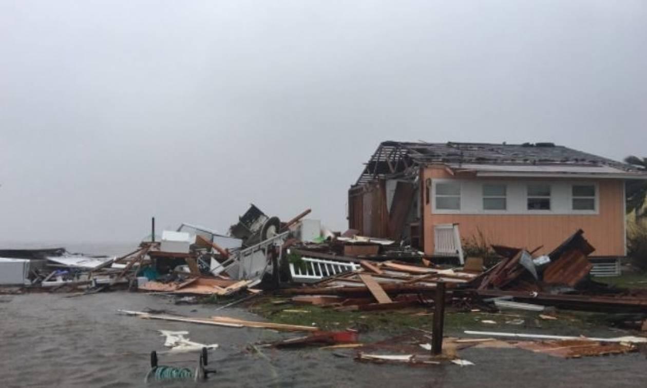Τυφώνας Χάρβεϊ: Εικόνες αποκάλυψης - Έρχονται καταστροφικές πλημμύρες (vids)