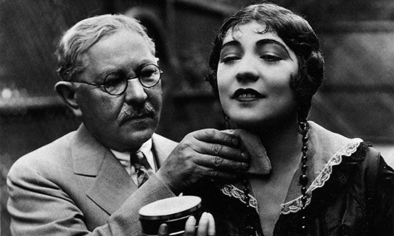 Σαν σήμερα το 1938 πέθανε ο Μαξ Φάκτορ, ιδρυτής της ομώνυμης εταιρείας καλλυντικών