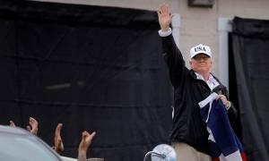 Καταιγίδα Χάρβεϊ - Στο Τέξας ο Τραμπ: «Κανείς δεν είχε δει ποτέ τίποτα παρόμοιο» (vid)