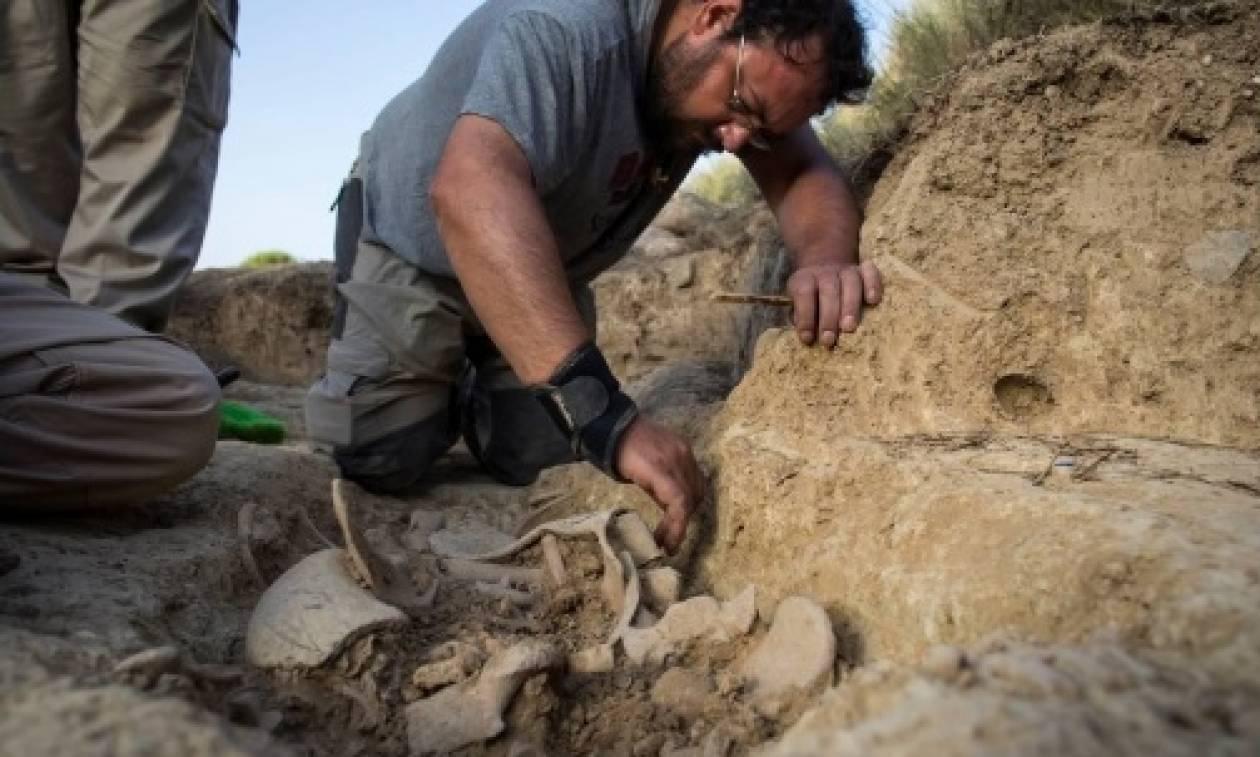 Αρχαιολόγοι εντόπισαν λείψανα θυμάτων του ισπανικού εμφυλίου πολέμου σε ομαδικό τάφο!
