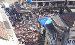 Ινδία: Κατάρρευση κτηρίου με δύο νεκρούς - Αγωνιώδεις έρευνες για επιζώντες