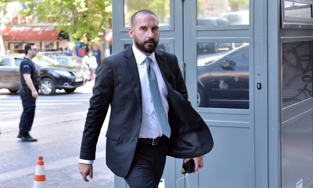 Μας τρολάρει ο Τζανακόπουλος: Η ανάπτυξη είναι εδώ