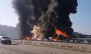 Τρομακτική καραμπόλα 36 οχημάτων στην Βραζιλία (vid)