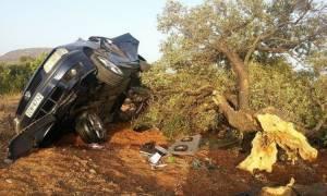 Σοκαριστικό τροχαίο στην Κρήτη - Χαροπαλεύει 25χρονη (pics)