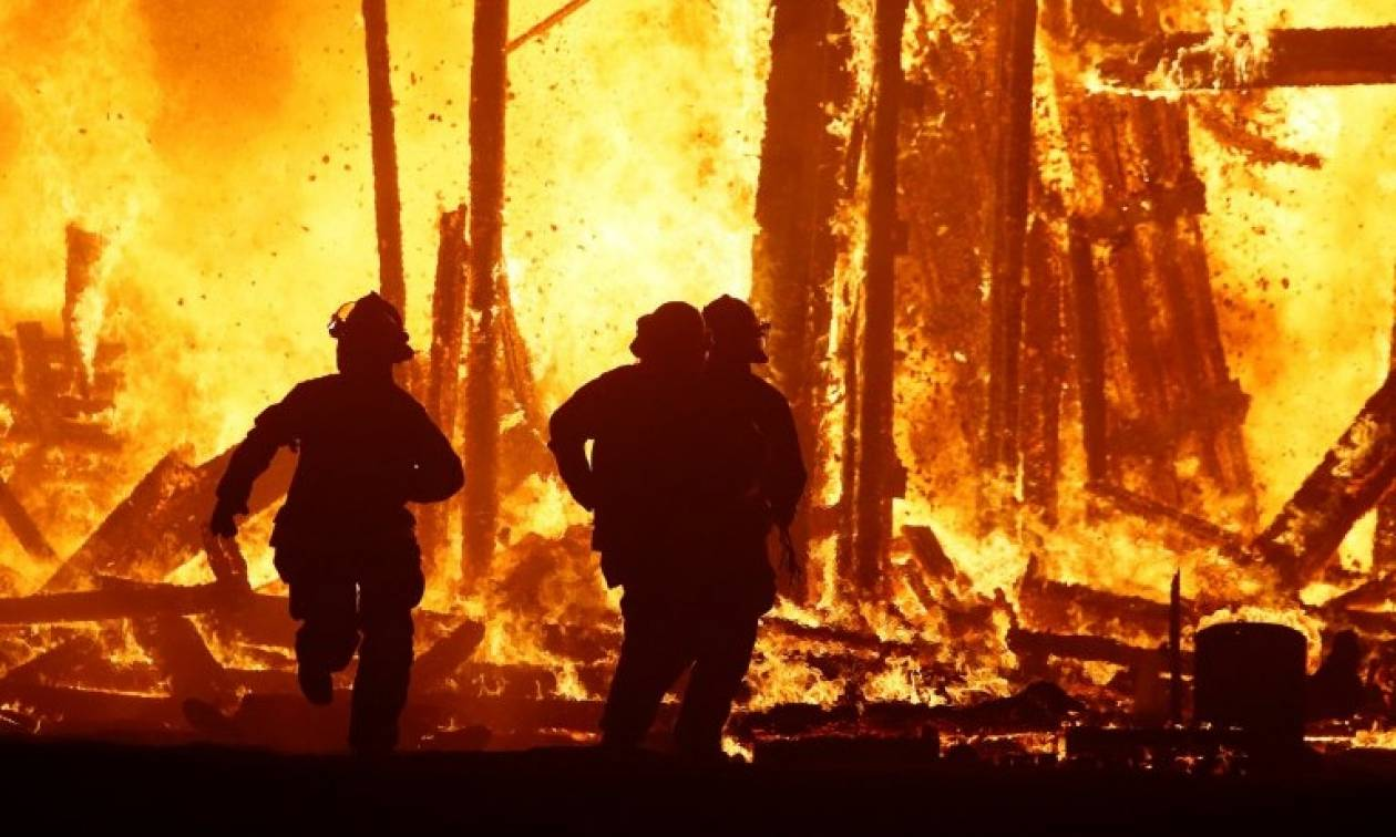Τραγωδία: Κάηκε ζωντανός στο φεστιβάλ Burning Man μπροστά σε χιλιάδες θεατές (pics)