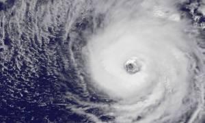 Σε κατάσταση συναγερμού πολλά νησιά στην Καραϊβική - Ενισχύθηκε ο τροπικός κυκλώνας Ίρμα (pic)