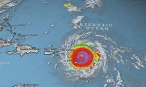 Ο «δυνητικά καταστροφικός» κυκλώνας Ίρμα τρομοκρατεί την Καραϊβική