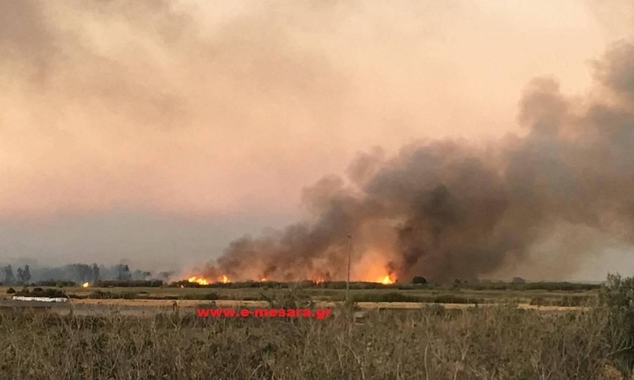 Φωτιά ΤΩΡΑ: Πυρκαγιά στο αεροδρόμιο Τυμπακίου στην Κρήτη (pics)