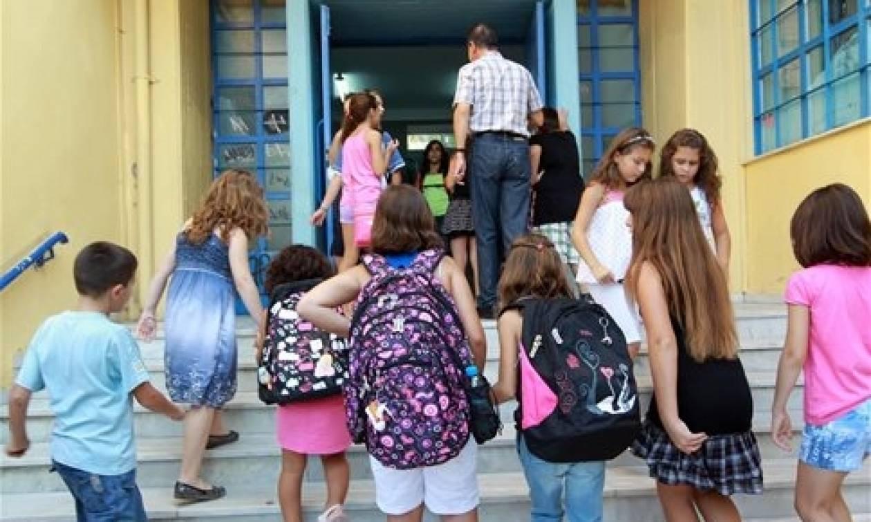 ΠΡΟΣΟΧΗ με τις σχολικές τσάντες: Η είδηση που πρέπει να διαβάσουν όλοι οι γονείς!