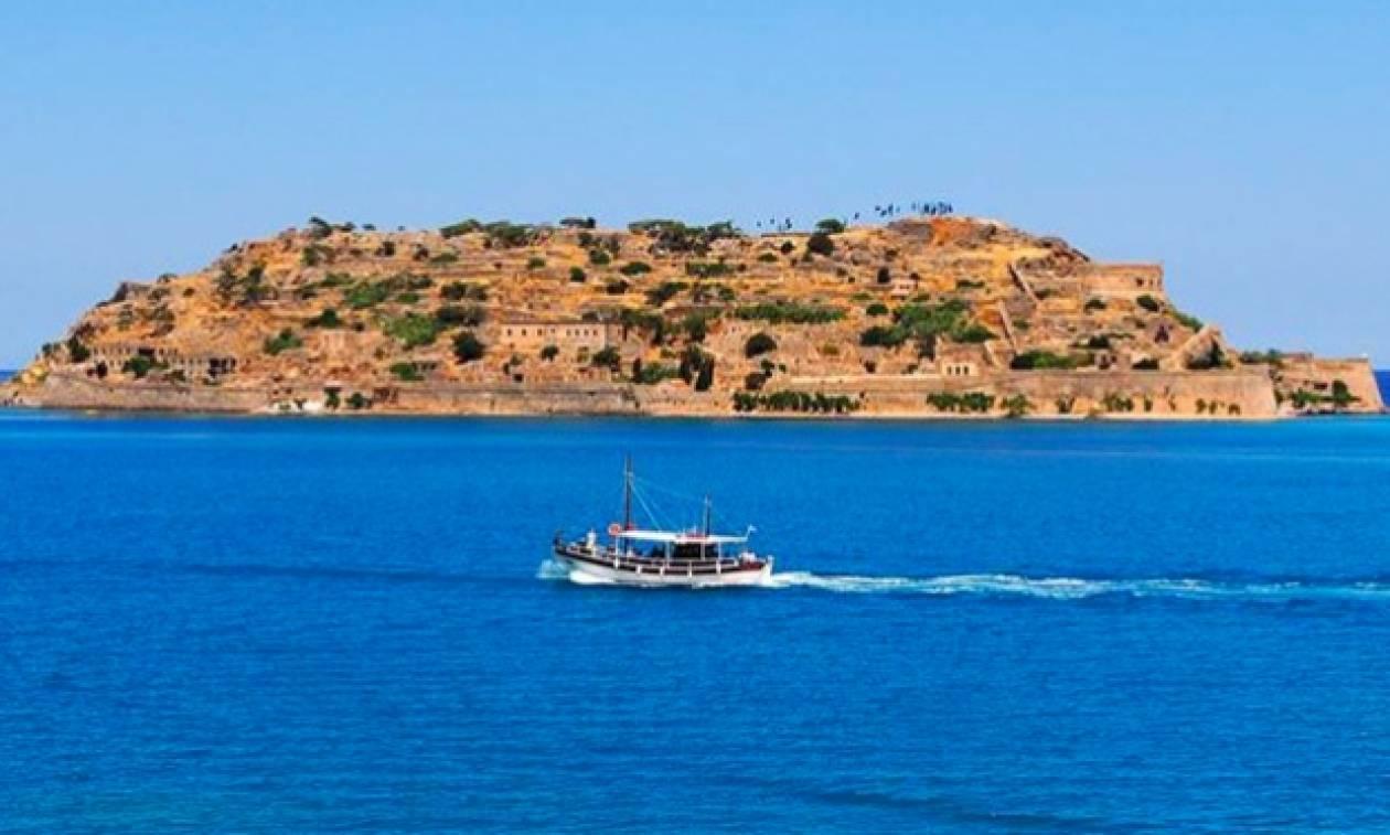 Σπιναλόγκα: Ένα τουριστικό ταξίδι στον χρόνο και την τεράστια ιστορία του «καταραμένου» νησιού (vid)