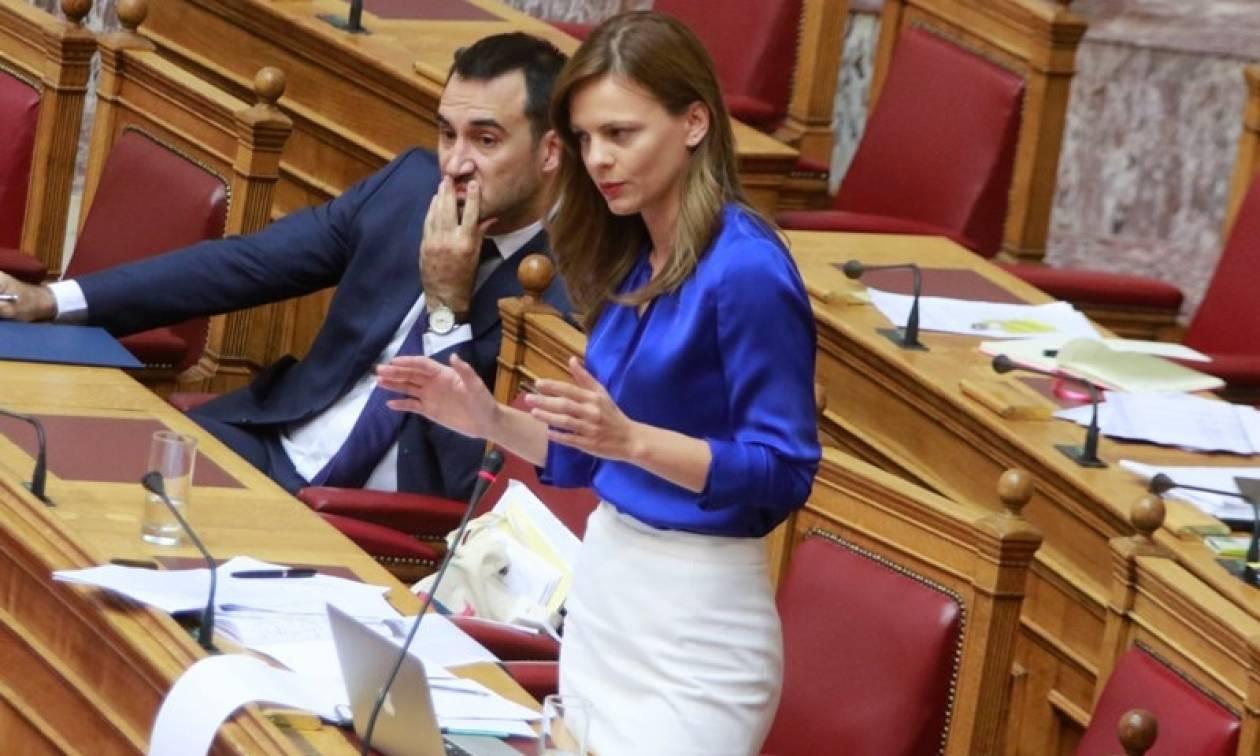 Βουλή: Υπερψηφίστηκε το νομοσχέδιο για τα εργασιακά