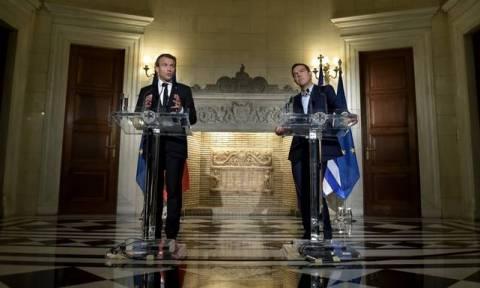 Ципрас и Макрон обсудили роль МВФ в решении экономического кризиса в Европе