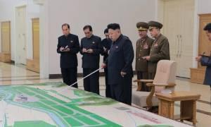 Βόρεια Κορέα: Εορτασμοί με «πυρηνικά» μηνύματα στις ΗΠΑ (pic)