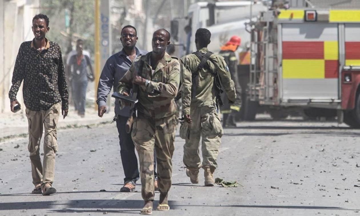 Βομβιστική επίθεση στη Σομαλία με τουλάχιστον 6 νεκρούς