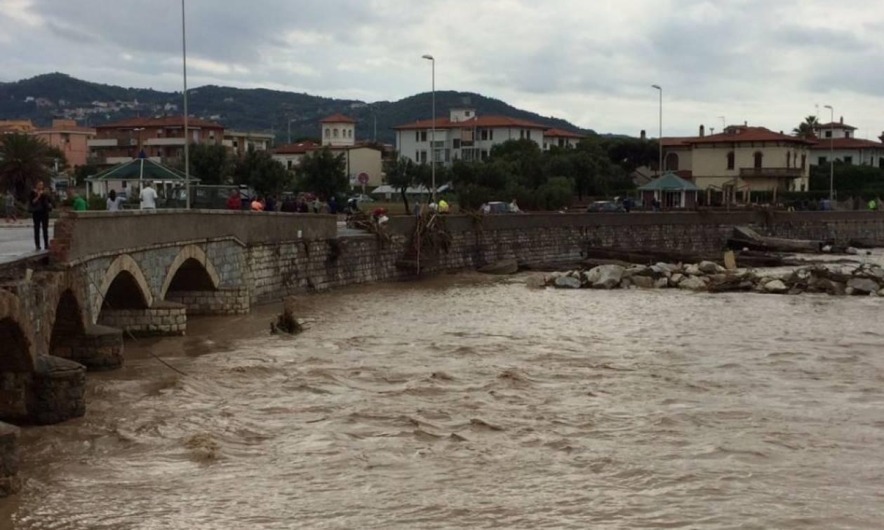 Ιταλία: Επτά νεκροί και ένας αγνοούμενος από το σφοδρό κύμα κακοκαιρίας στο Λιβόρνο (pics)