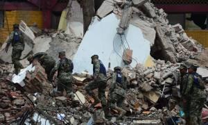 Τραγωδία στο Μεξικό: Αυξάνεται ραγδαία ο αριθμός των νεκρών από τον σεισμό των 8,2 Ρίχτερ (Vids)