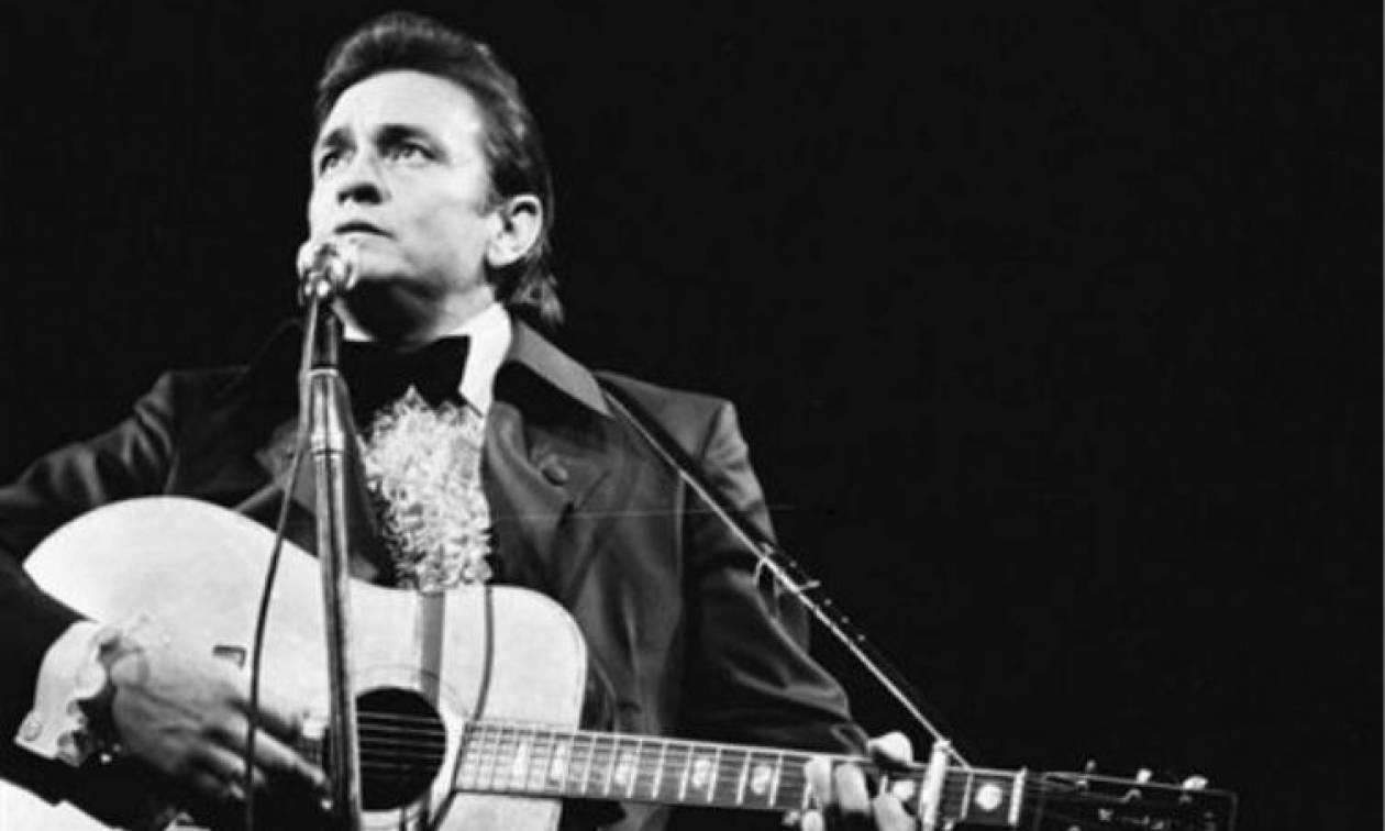 Σαν σήμερα το 2003 έφυγε από τη ζωή ο Αμερικανός τραγουδιστής Τζόνι Κας