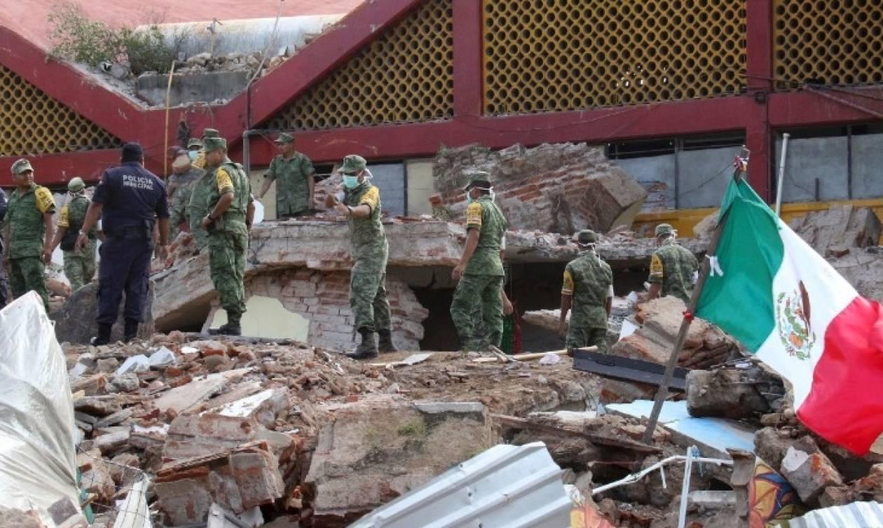 Τραγωδία στο Μεξικό: Αυξάνεται διαρκώς ο αριθμός των νεκρών από τον σεισμό 8,2 Ρίχτερ (Vids)
