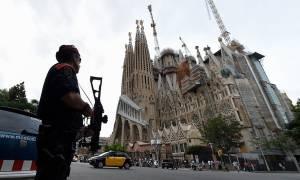 Ισπανία: Ύποπτο βαν στη Σαγράδα Φαμίλια στη Βαρκελώνη - Εκκενώθηκε η περιοχή (pics+vids)