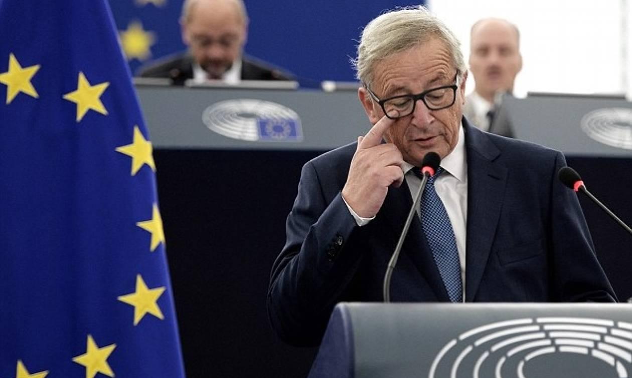 Με ισχυρούς πόνους αποχώρησε εσπευσμένα ο Γιούνκερ από την ολομέλεια της Ευρωβουλής