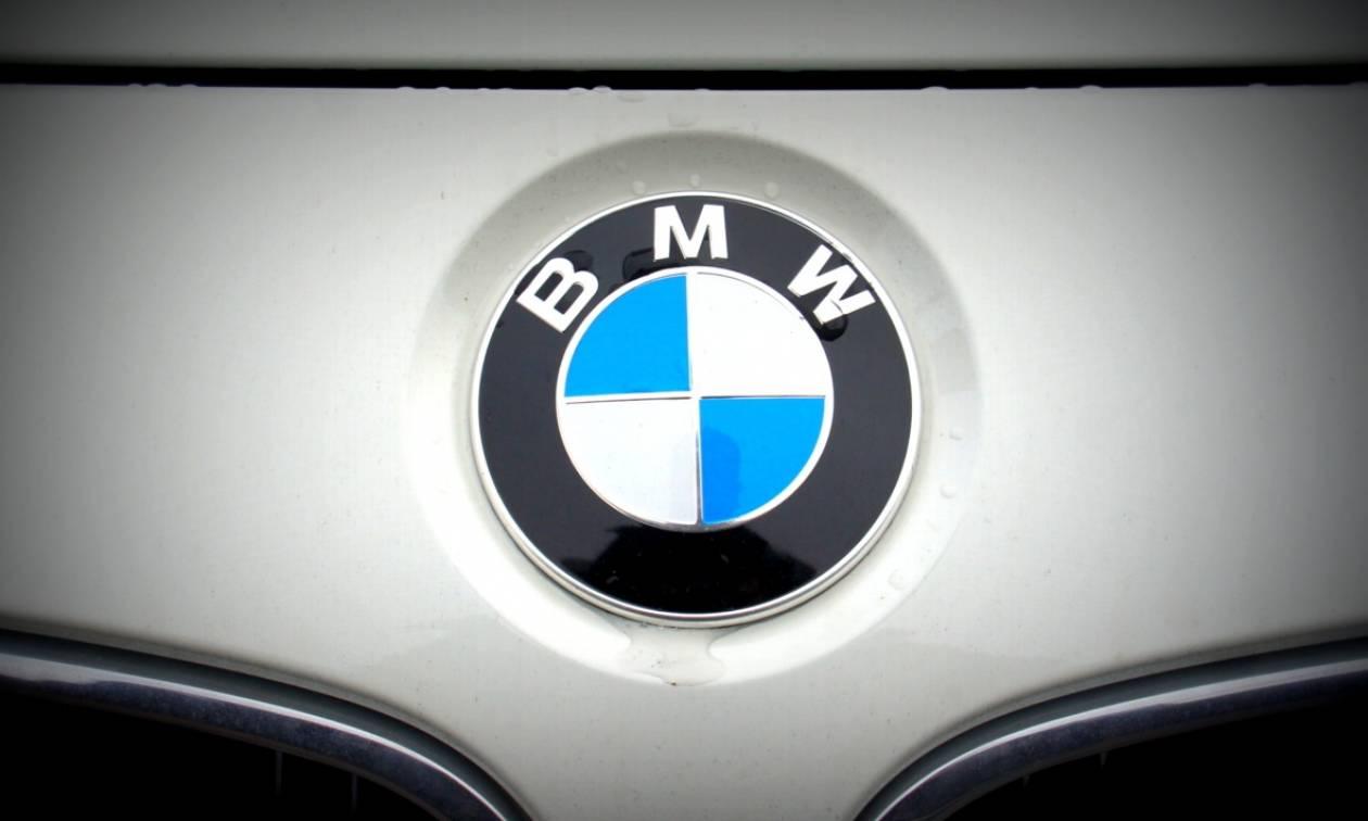 Αλλάζει η BMW λογότυπο - Θα πέσετε από τα σύννεφα