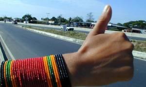 Τρόμος στην Κορίνθου - Πατρών: Εφιάλτης το οτοστόπ για ζευγάρι στην Εθνική Οδό