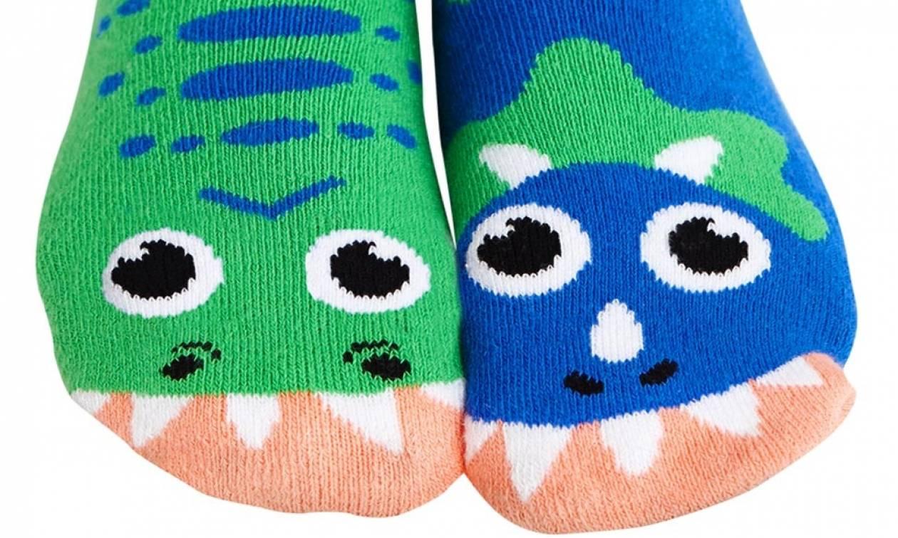 Για γέλια και για κλάματα: Φώναξαν τη φιλοζωική για να μαζέψει μία επικίνδυνη… βρώμικη κάλτσα!