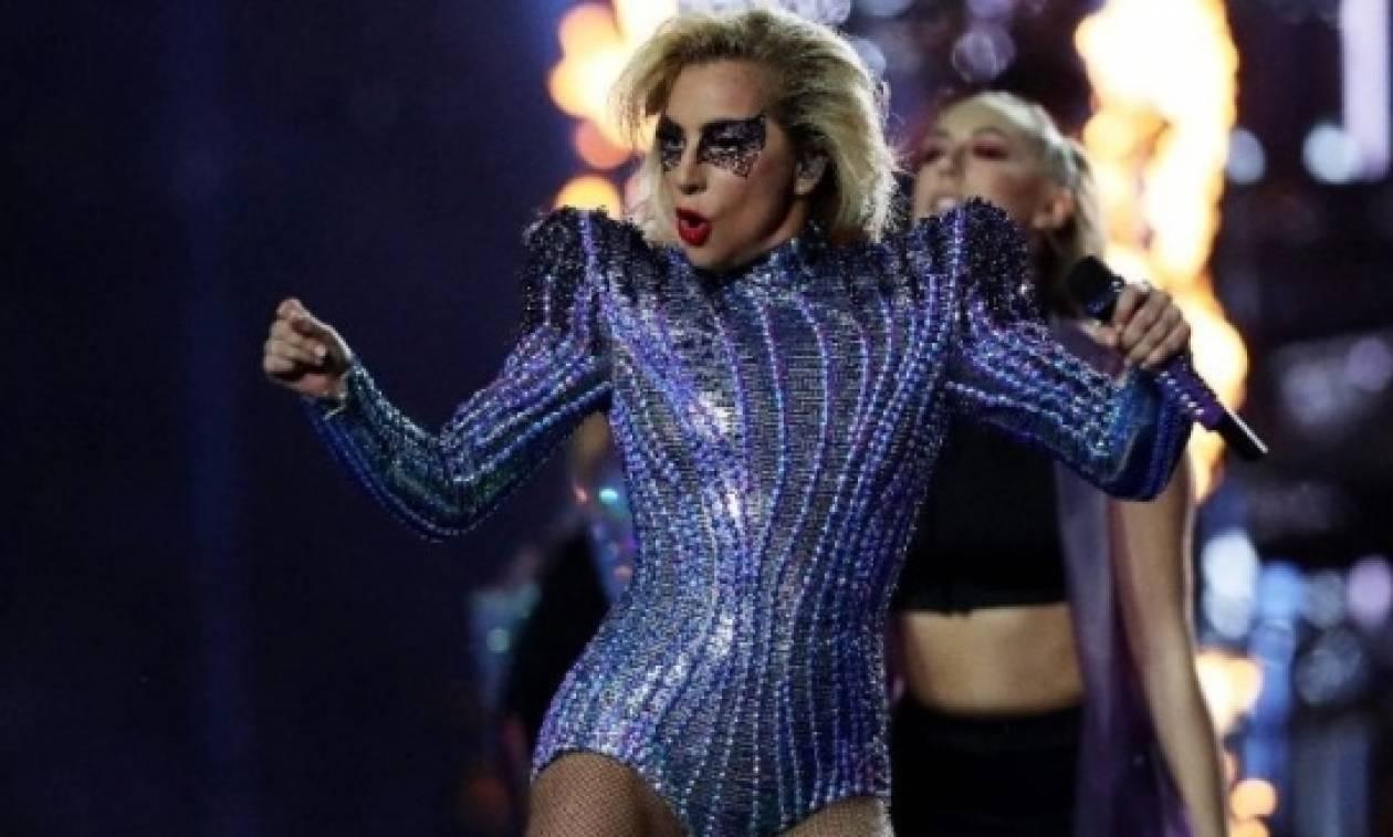 Στο νοσοκομείο με αφόρητους πόνους η Lady Gaga - Παλεύει με χρόνια ασθένεια