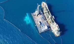 Πετρελαιοκηλίδα στον Σαρωνικό: Εντυπωσιακά εναέρια πλάνα από το βυθισμένο «Αγ. Ζώνη ΙΙ»