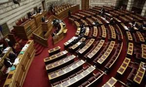 Στην Βουλή θέλει να φέρει η Ένωση Κεντρώων το θέμα της πετρελαιοκηλίδας