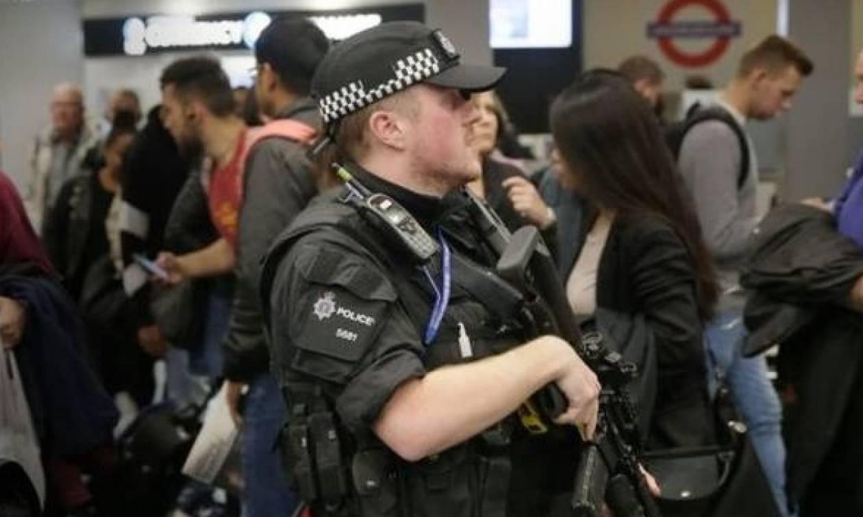 Έρευνες από τη βρετανική αστυνομία και γι' άλλους ύποπτους για τη βομβιστική επίθεση στο μετρό
